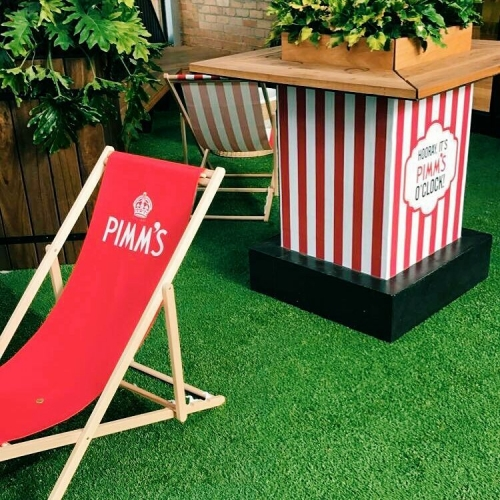 The sun's out and our Pimms pop-up bar is in full swing! Drop in for a glass of glistening fruity goodness before it's all gone after Feb 3rd! 🌞🍊 #pimms #melbournebars #summertime