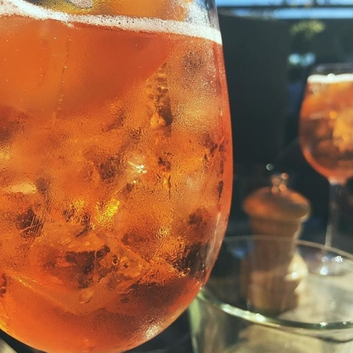 We reckon it might be a spritz in the sunshine sorta day. 📷: @itsreecey
