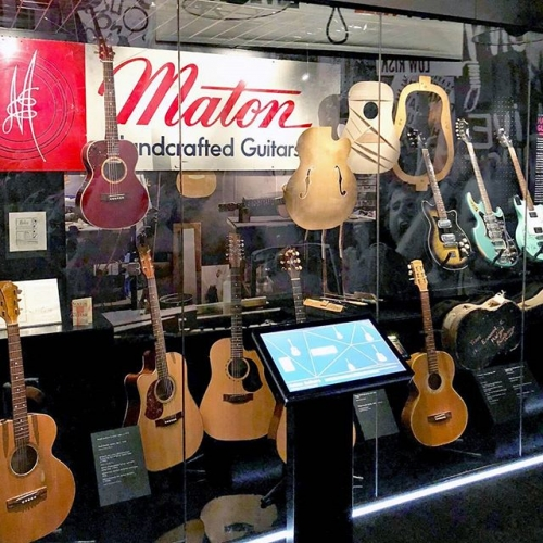 There's a crazy cool collection of old school Maton Guitars that have just gone into the Australian Music Vault. If you're a gear fan, do yourself a fave and check it out. We're in love. 😍