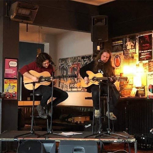 Front bar Sunday arvo sessions = perfect way to wind down your weekend. Up this week is Jame's Gudia & Swazi Gold. Free entry all afternoon! 📷 @straggledinband